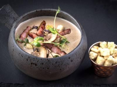 Crema di patate con funghi e pancetta: un piatto senza glutine!