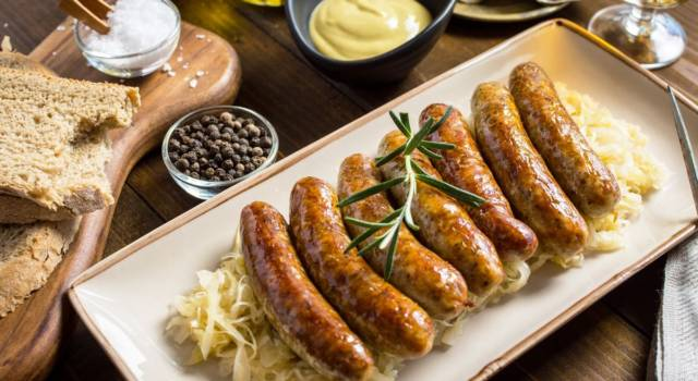 Crauti di cavolo cappuccio con salsiccia: gusti forti, direttamente dal Trentino