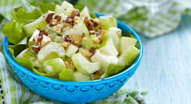 Insalata di mele e sedano rapa: un piatto leggero e naturale