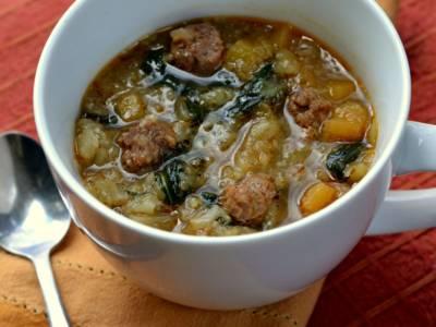 Minestra maritata: la (ricca) zuppa della tradizione napoletana