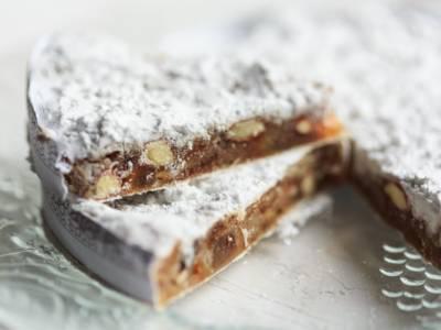 Panforte di Siena bianco: il dolce della tradizione toscana