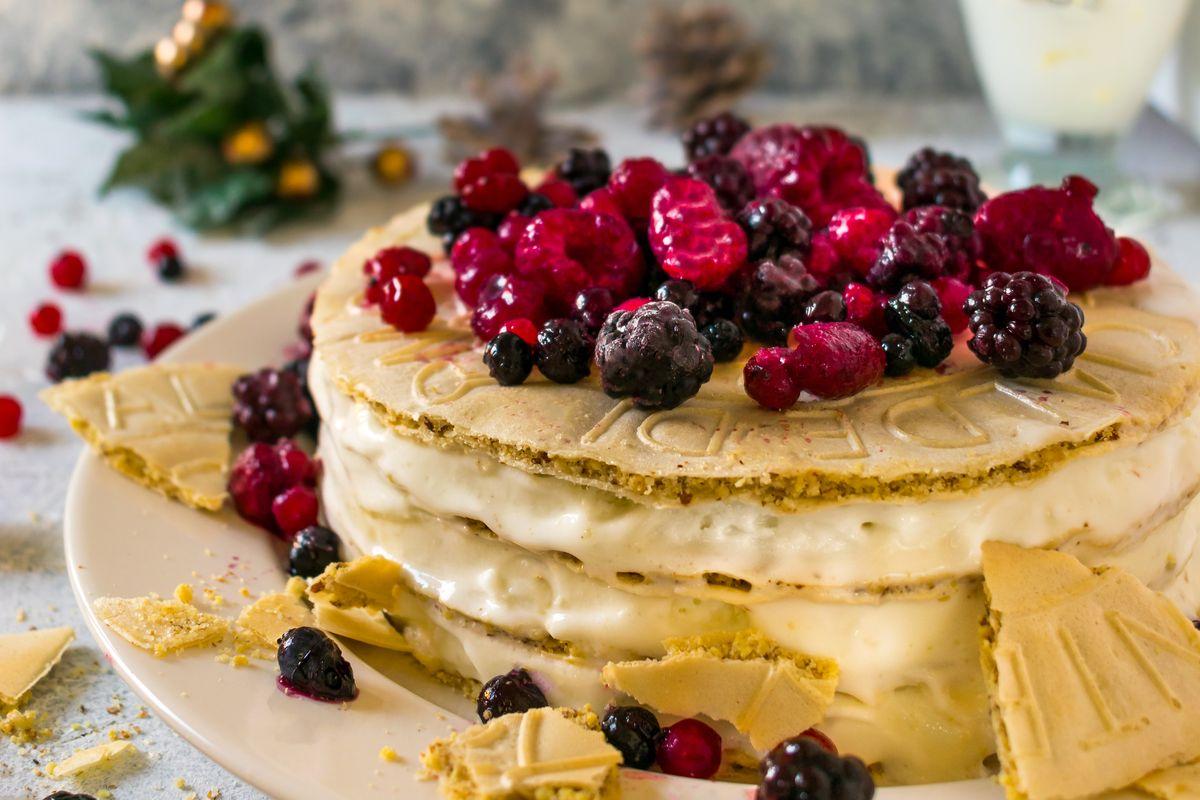 Cialde di Montecatini con panna e frutti