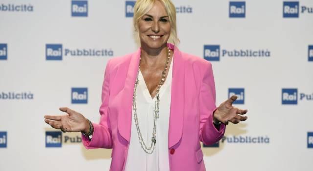Chi è Antonella Clerici, la raggiante conduttrice di È sempre mezzogiorno