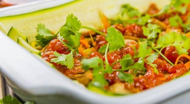 Lasagne di cetrioli con dadolata di zucchine e mousse al pomodoro