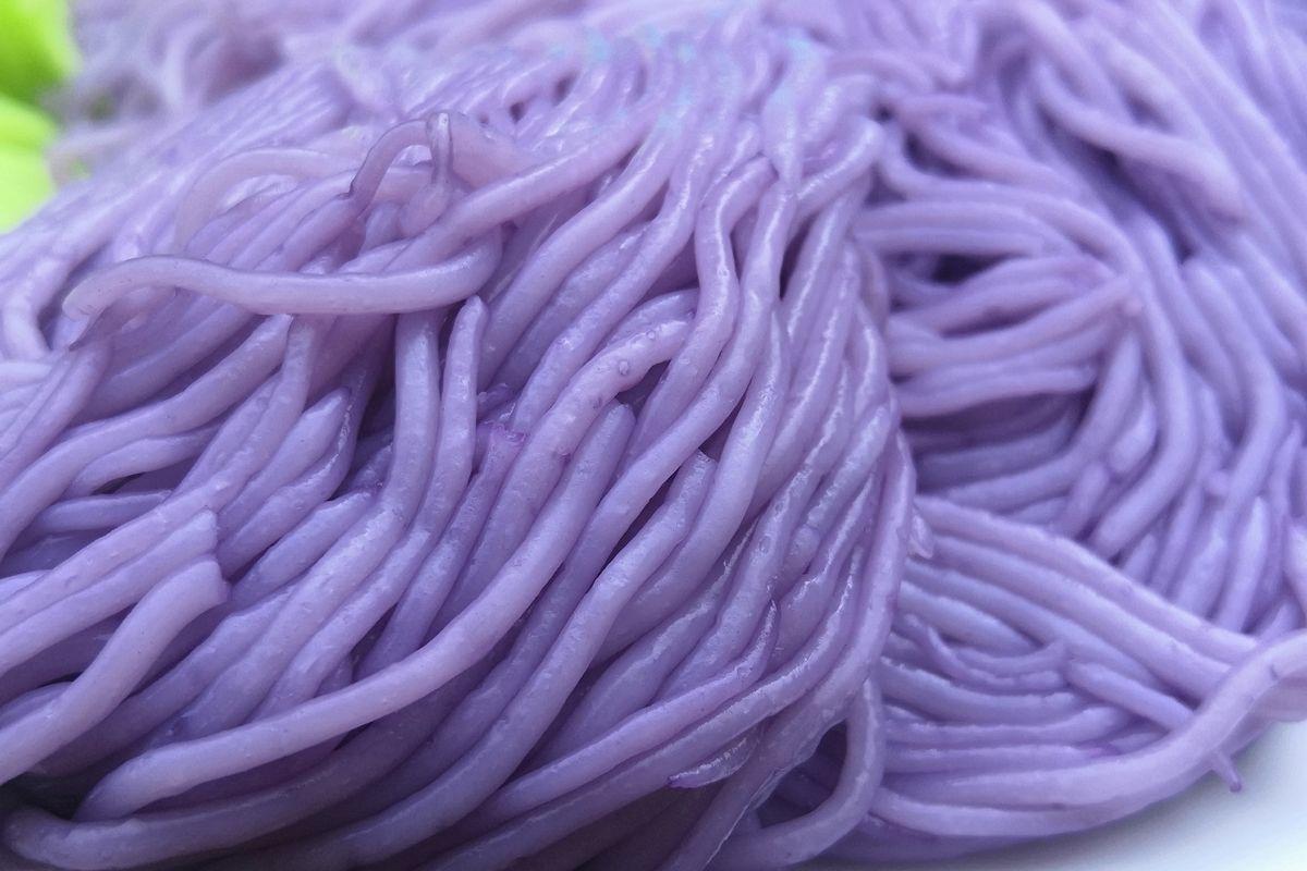 Spaghetti di patate viola