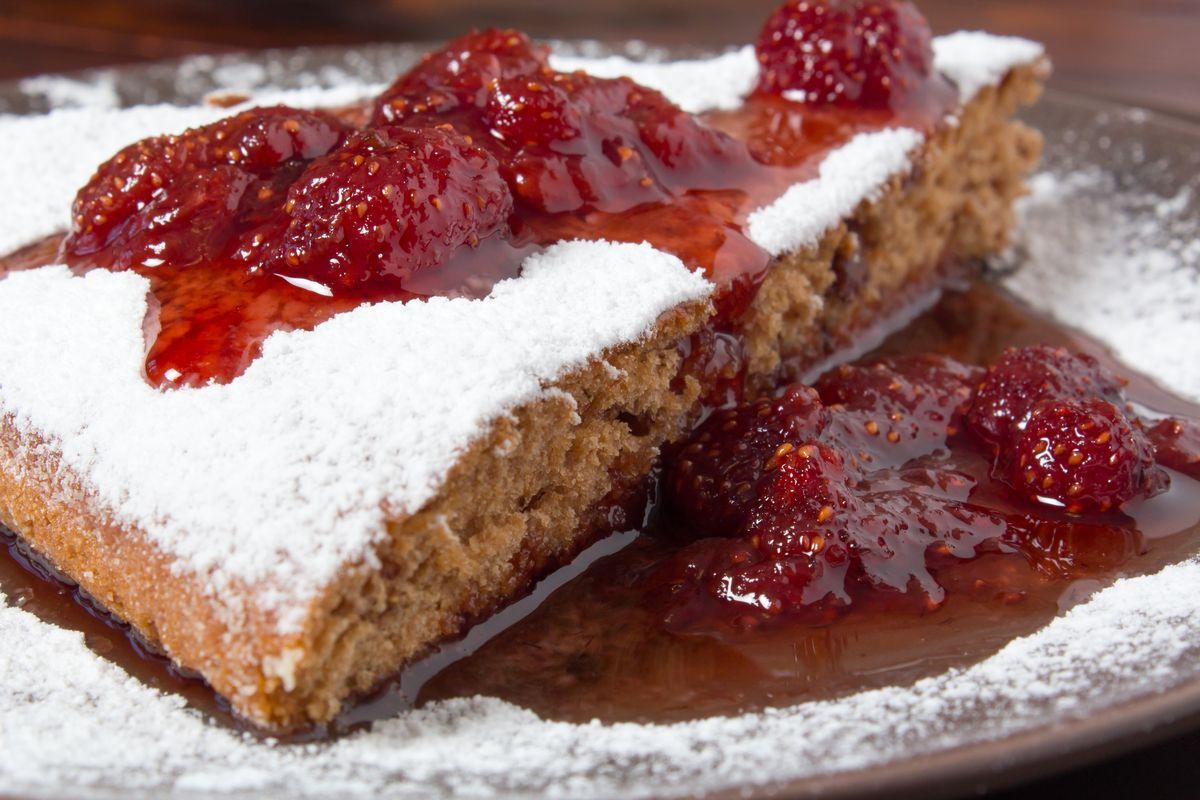 torta senza glutine con confettura