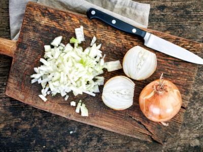Come rendere digeribile la cipolla cruda: i trucchi e i consigli