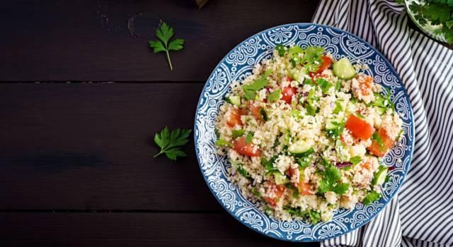 Sfiziosa insalata di miglio estiva (senza glutine)