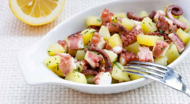 Polpo e patate in insalata: un antipasto fresco ed estivo