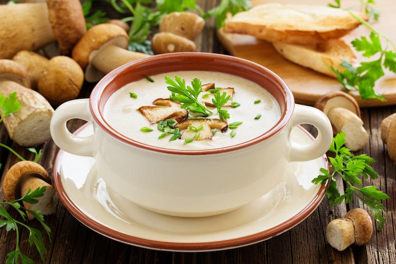 Crema di funghi: ecco come preparare la vellutata deliziosa anche con il Bimby