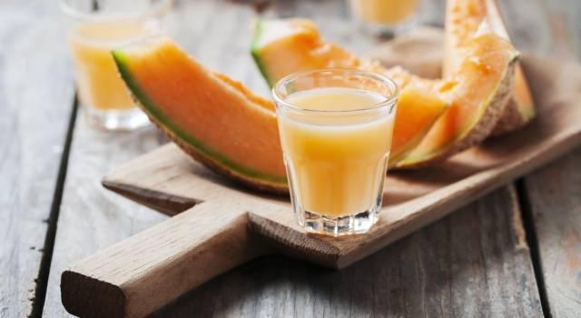 Dissetante, fresco e gustoso: è il meloncello, il liquore al melone!