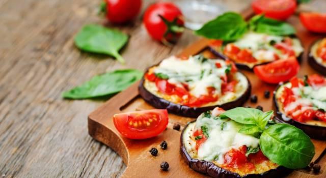 Pizzette di melanzane: leggere, colorate e facilissime
