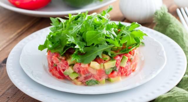 Tartare di pomodori: la ricetta perfetta per gli antipasti estivi