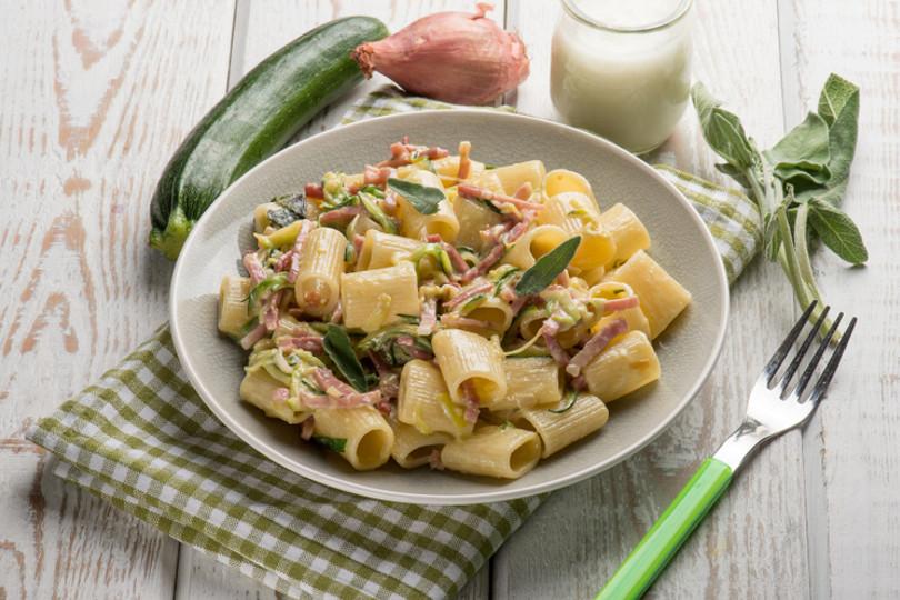 Pasta zucchine e speck…facile e buonissima!