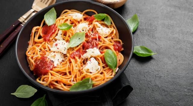 Spaghetti tricolore: buoni, freschi e semplicissimi da fare