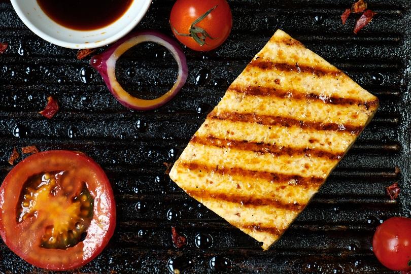 Tofu alla piastra agli aromi