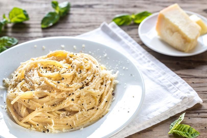 Spaghetti parmigiano e pepe
