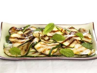 Le zucchine in carpione alla piemontese sono una vera delizia