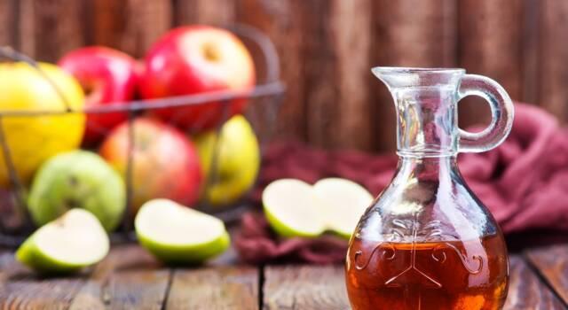 Aceto di mele per sbiancare e disinfettare i denti