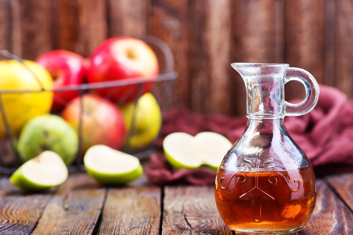 brocca di aceto di mele