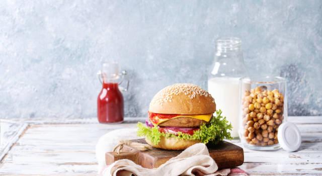 Deliziosi, naturali, facili da fare: sono gli hamburger di ceci!