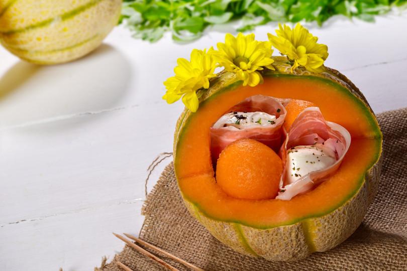 melone, prosciutto e mozzarella