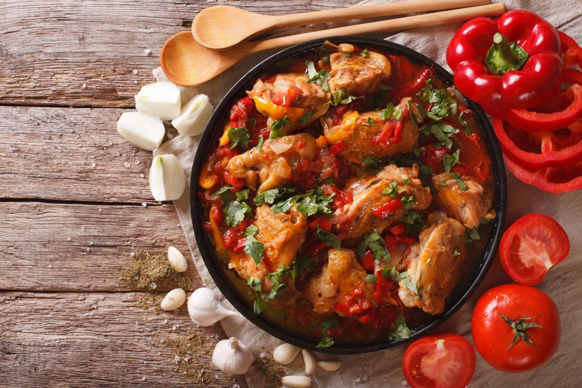 Pollo in umido con peperoni