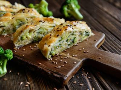 Strudel salato ai broccoli: l'antipasto vegan perfetto