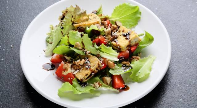 Insalata mista con tofu al balsamico…contorno leggero!