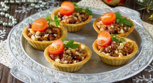 Crostate rustiche salate con farcitura di lenticchie: un antipasto diverso dal solito!