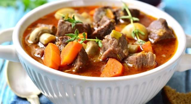 Stufato di carne e verdure: la ricetta passo per passo