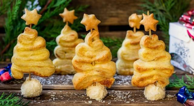 Alberelli di pasta sfoglia segnaposto: un'ottima idea per le feste!