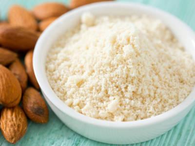 Come fare la farina di mandorle: idee e ricette sane e gustose