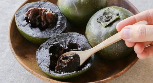 Sembra budino al cioccolato, ma è un frutto: è lo zapote nero
