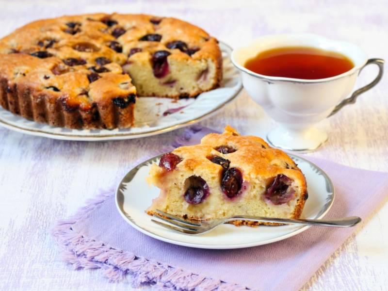 Torta bertolina, il soffice dolce con uva fragola e la sua storia