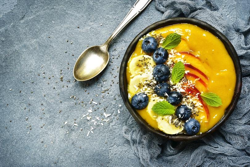 Acai bowl con frutta