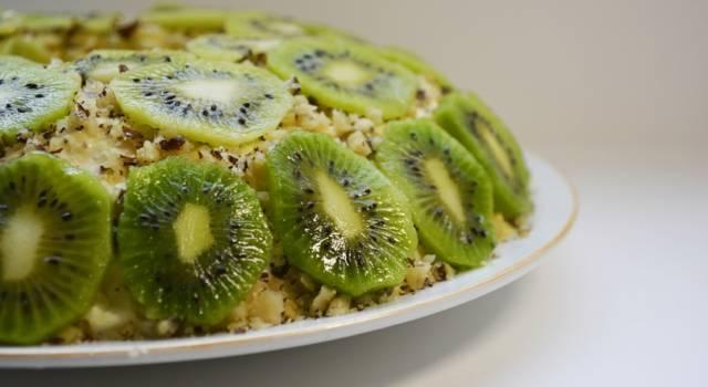 Bavarese ai kiwi: come preparare un goloso dolce con frutta fresca!