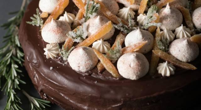 Torta con meringhe e cioccolato: una vera delizia!