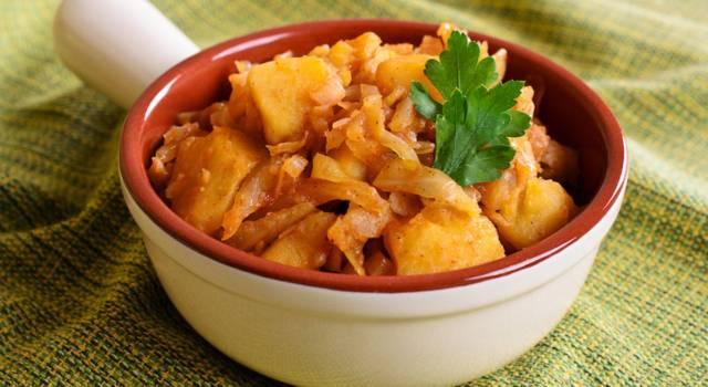 Verza e patate al forno, un contorno davvero particolare!