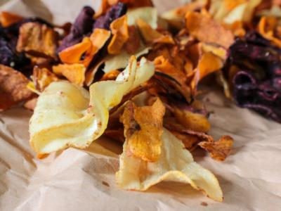 Deliziose chips di verdure al forno: light ma golose