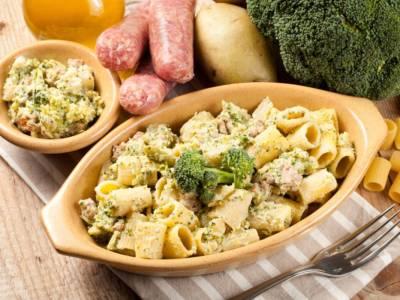 Pasta con i broccoli e salsiccia: un primo piatto buonissimo!