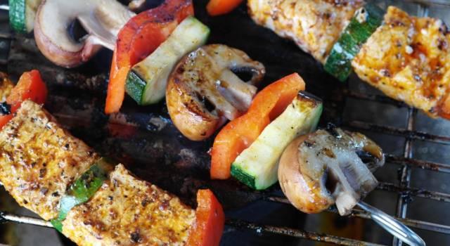 Spiedini di funghi e verdure: leggeri, buonissimi e 100% VEG!