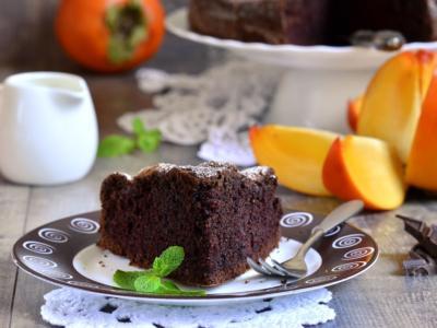 Torta di cachi: la ricetta golosa al cioccolato