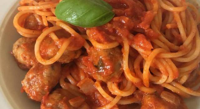 La ricetta degli spaghetti con le polpette di Lilly e il Vagabondo