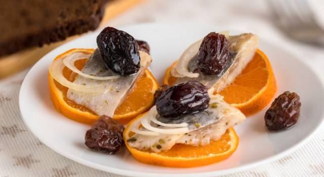 Filetti di aringa all'arancia: ricetta finger food semplice e golosa!