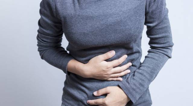 Bruciore di stomaco: rimedi naturali, cause e dieta