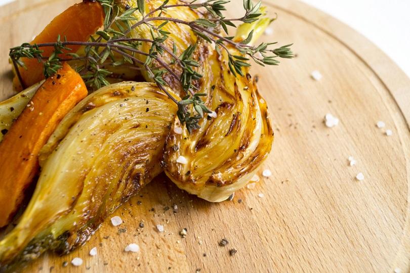 Finocchi stufati in padella: un'idea per contorni di verdure facili