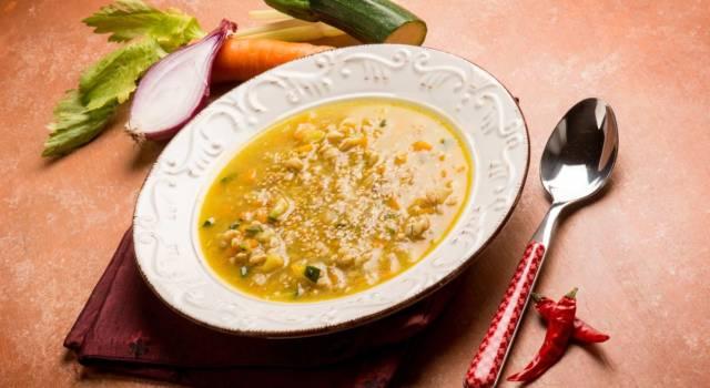 La minestra di farro (e patate) è un ottimo comfort food!