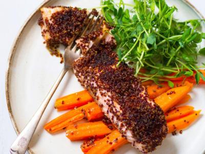 Salmone in crosta di quinoa, un meraviglioso secondo senza glutine