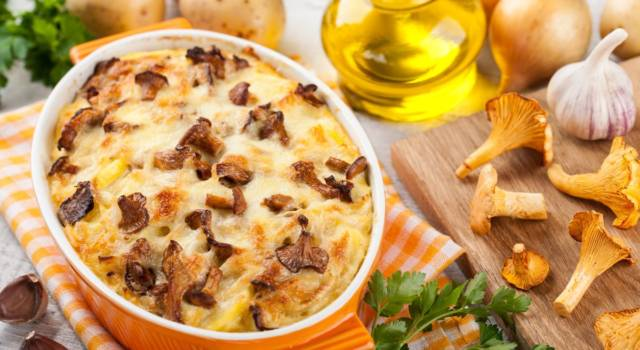 Se amate gli sformati fatti in casa, impazzirete per questa ricetta con funghi e patate!